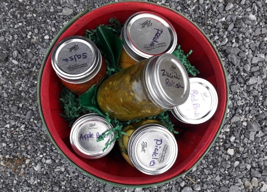 6 Common Amish Canned Goods