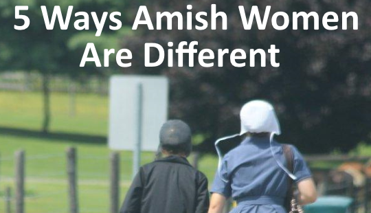 amish-females-walking
