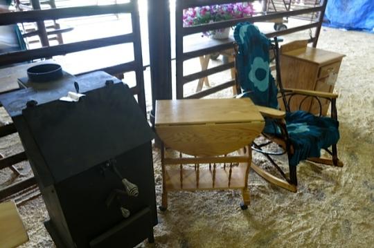 Amish Furniture Auction