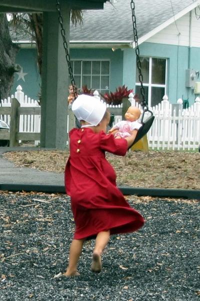Amish Girl Pinecraft