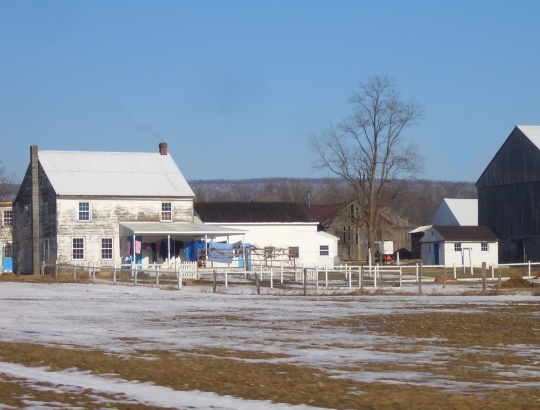 amish home winter