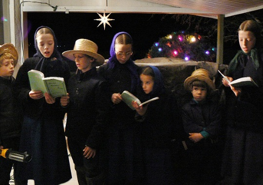 amish-kids-caroling-christmas-time