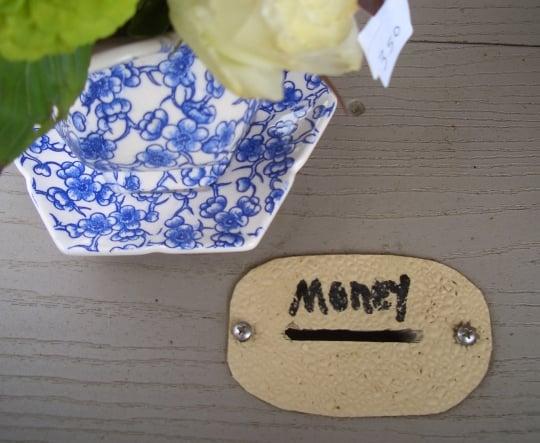 amish money slot flower stand