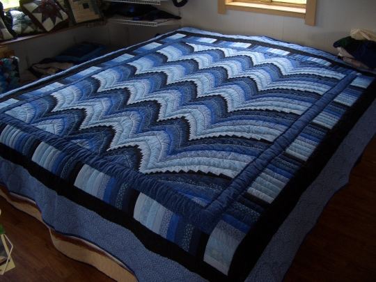 amish quilt display