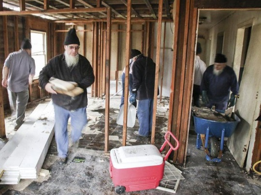 Amish & Mennonites Help Mississippi Tornado Victims