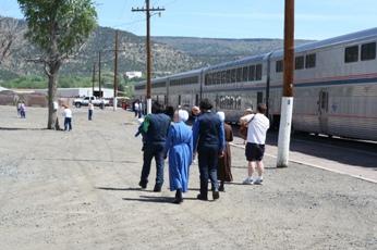 amish train riders