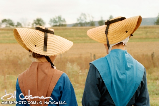 Amish Women Scoop Hats