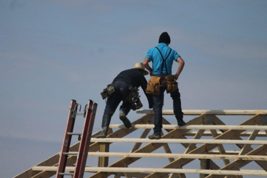Amish Workers Roof Indiana