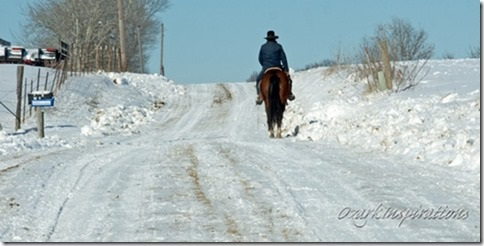 amishman-on-horseback-missouri