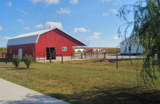 arthur amish home barn
