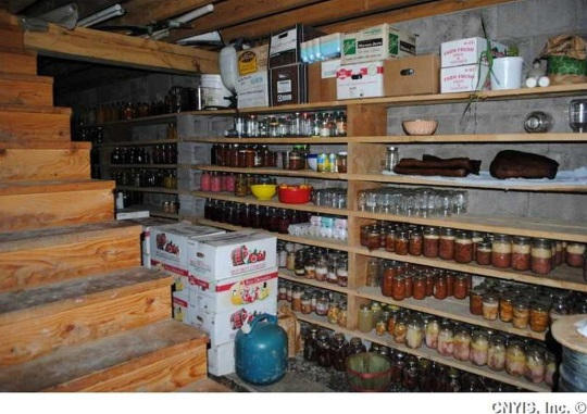 basement-pantry-amish-house