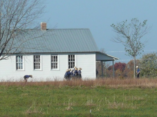 boys-outside-amish-schoolhouse