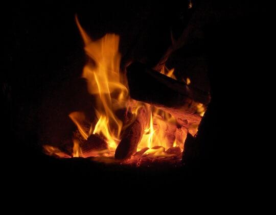 campfire-night-time
