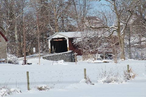 covered-bridge-snowfall