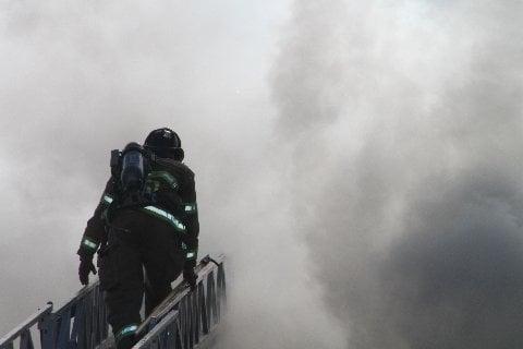 fireman-ladder-smoke