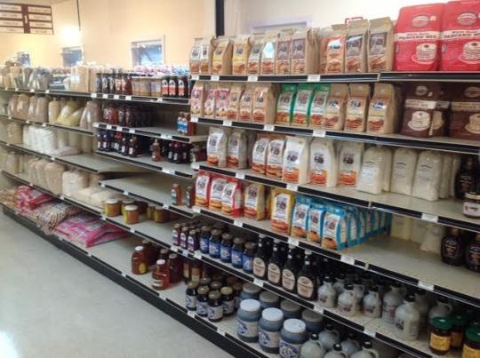fountain-city-foods-shelves