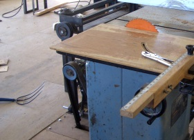 furniture-shop-saw