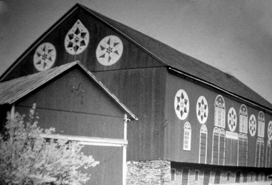 hex sign barn lancaster