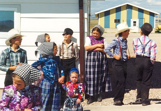 Hutterite Clothing