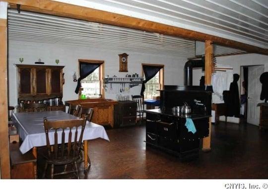 interior-view-swartzentruber-amish-home
