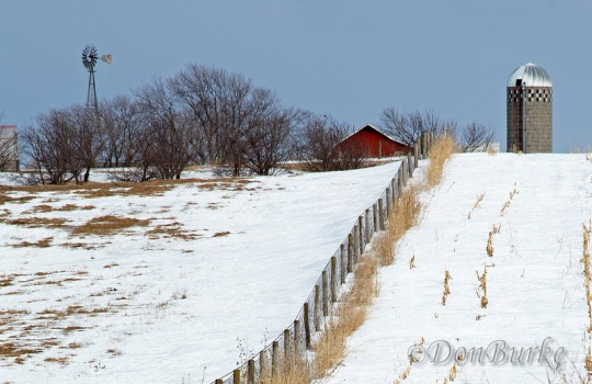 kalona-iowa-fence-line