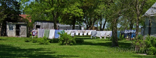 laundry-line-anderson-county-kansas-amish-community