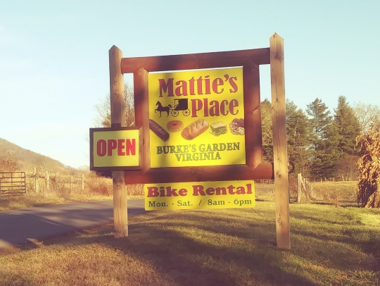 Mattie's Place of Burke's Garden, Virginia (27 Photos)
