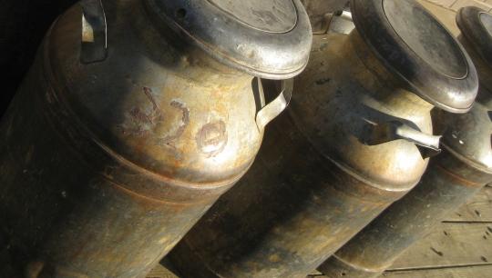 milk cans ohio amish