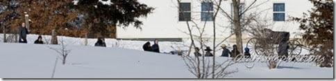 mo-amish-children-in-snow