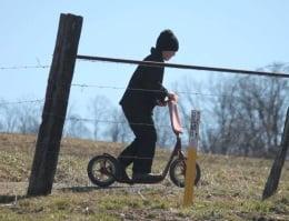 ohio-child-on-scooter