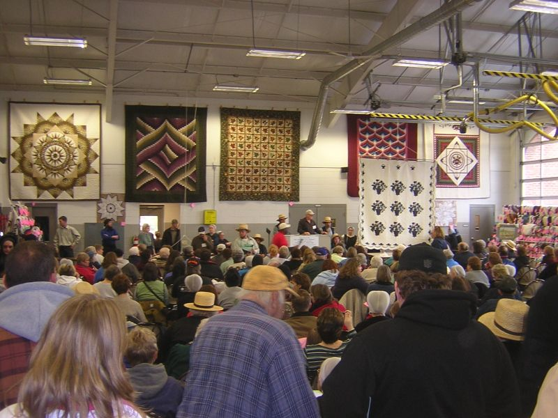 Lancaster County Amish mud sales quilt auction