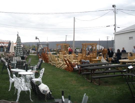 outdoor-items-gratz-firehouse-auction