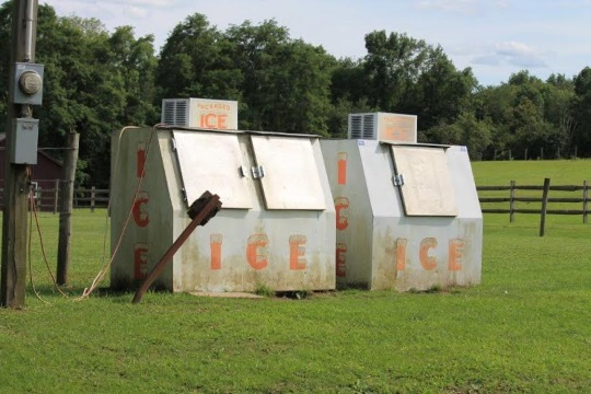 packaged-ice-ohio-amish-country