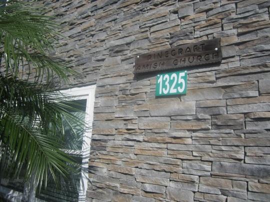 pinecraft-amish-church-meetinghouse