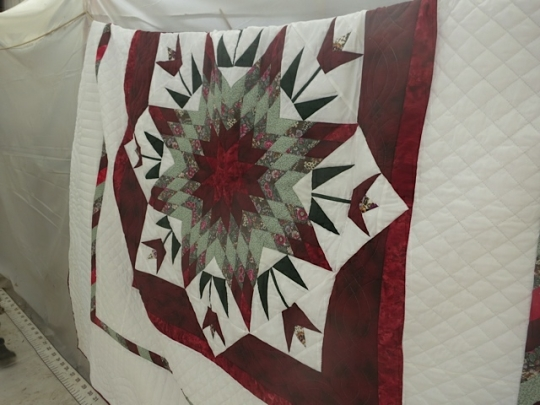 Quilt Mennonite Auction