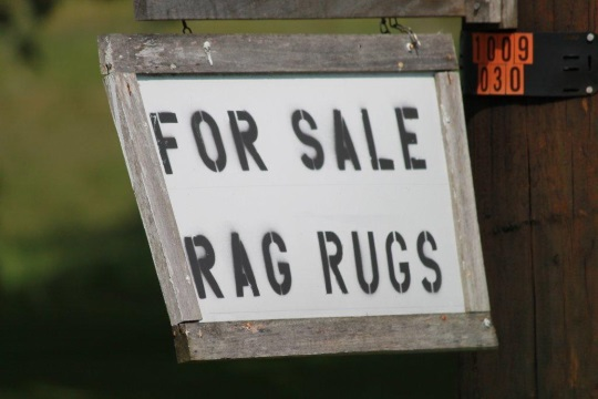 rag-rugs-for-sale-sign