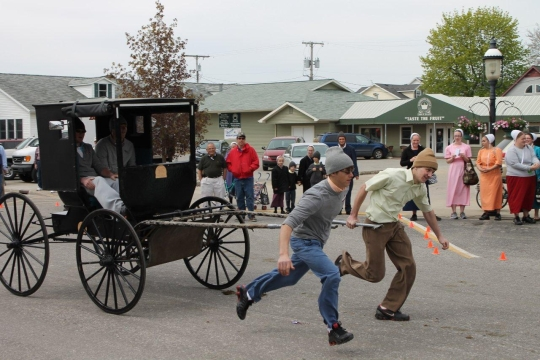 shipshewana-amish-youth-buggy-pull