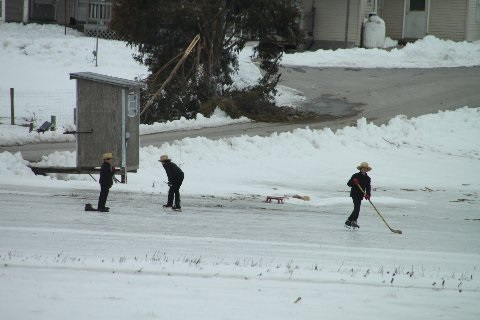 skating-amish-ice-hockey