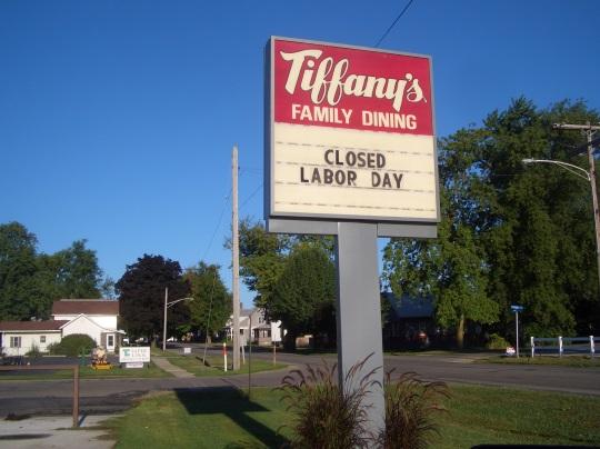 tiffanys-family-dining-topeka-indiana