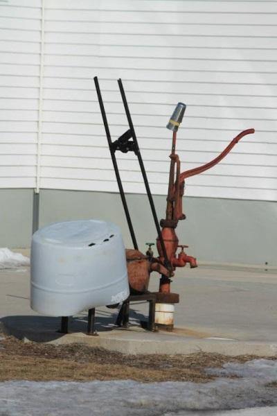 water-pump-amish
