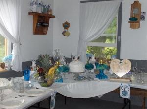 wedding-corner-table-amish
