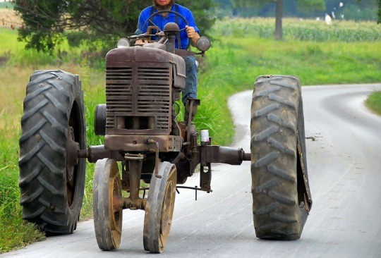 Western Kentucky Amish Tractor