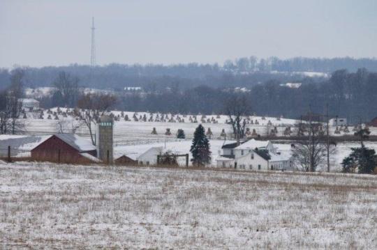 winter-farmland-amish-ohio