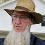 Amish watching and testifying in beard cutting trial