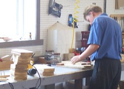 amish worker photo