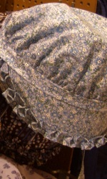 mennonite plain clothing